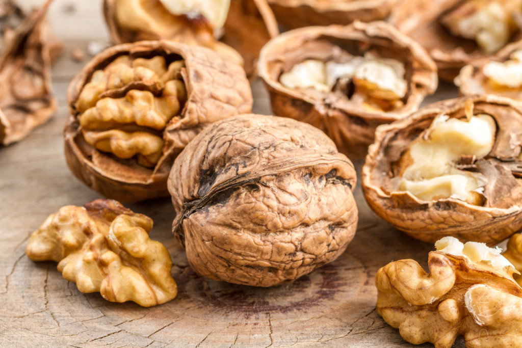 Health benefits of having walnuts