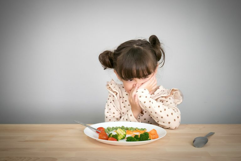 Parenting Tips 7 Easy Ways to Deal with a Fussy Eater